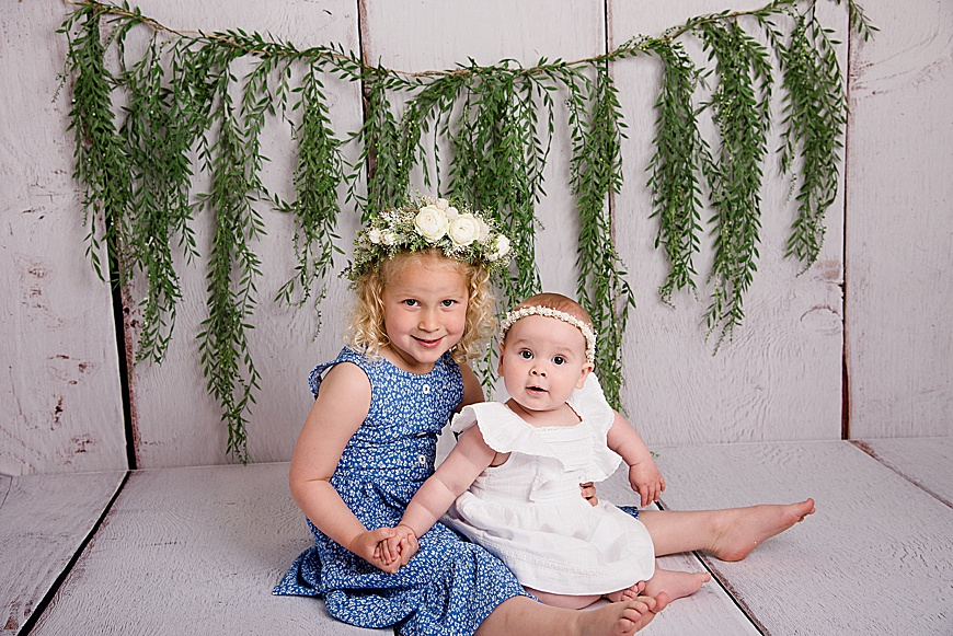 Family session, two sisters smiling together at rachael phillips photography in Mansfield, Nottinghamshire